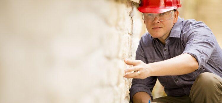 Co obejmują okresowe przeglądy budowlane?